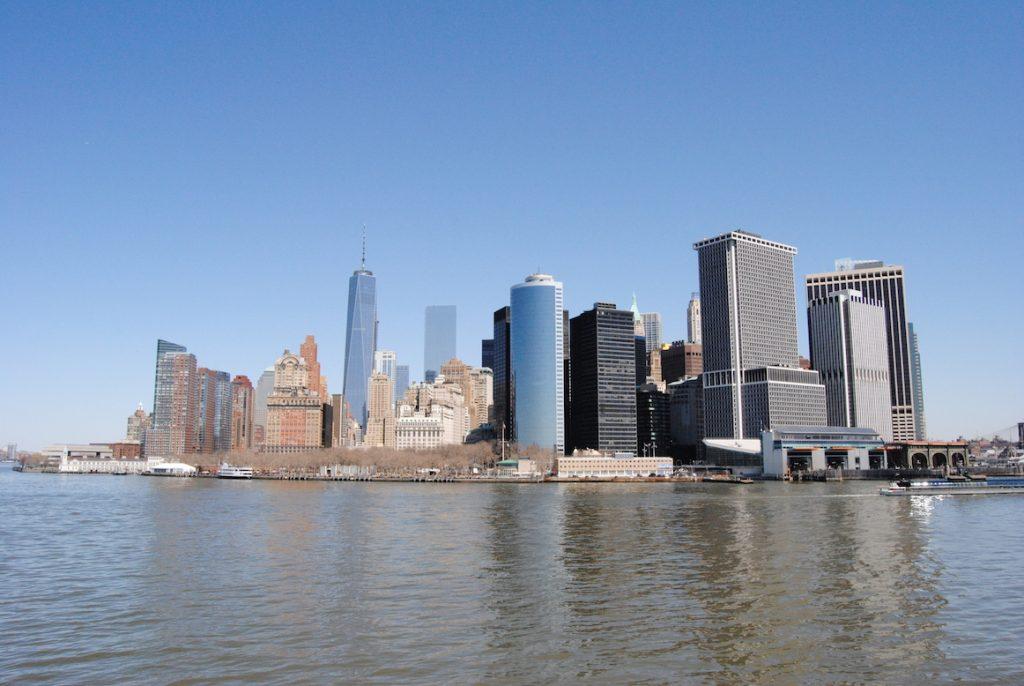 Widok na Manhattan z promu.
