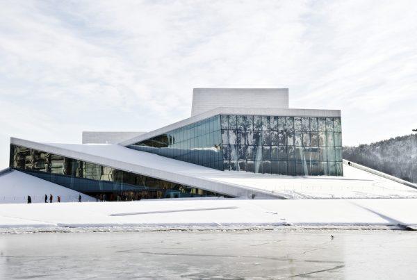 Opera w Oslo z zewnątrz
